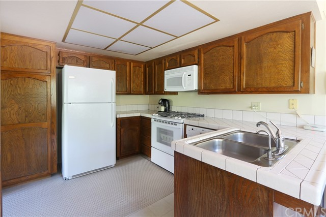 349 Wilson Drive, Santa Maria CA: http://media.crmls.org/medias/c5c34ba8-5e38-47ae-8186-ea909b320667.jpg