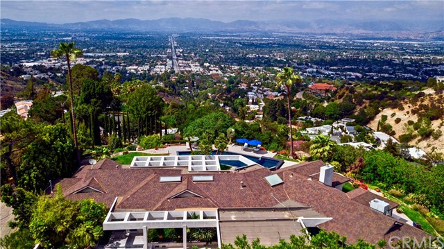 13741 Mulholland Drive, Beverly Hills, California 90210, 4 Bedrooms Bedrooms, ,3 BathroomsBathrooms,Residential,For Rent,Mulholland,PV19026271