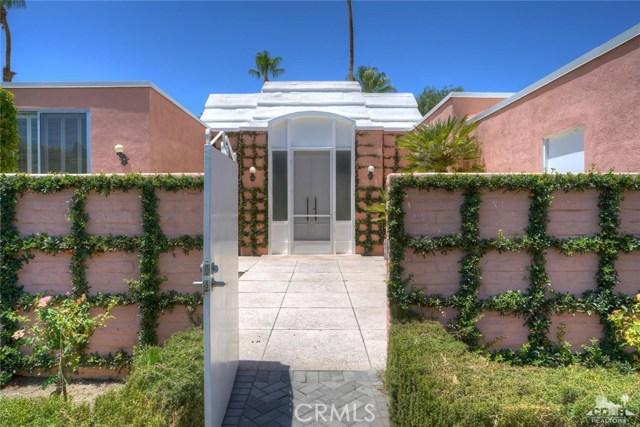 47043 Arcadia Lane, Palm Desert CA: http://media.crmls.org/medias/c5e732fd-c923-4a24-92fc-76ac7bb20008.jpg