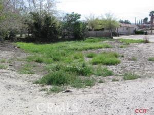 502 Main, Maricopa CA: http://media.crmls.org/medias/c5f65408-044c-4c12-acec-c0da63ead9e6.jpg