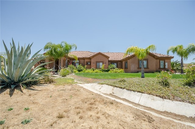 Single Family Home for Sale at 41820 Jojoba Hills Circle Aguanga, California 92536 United States
