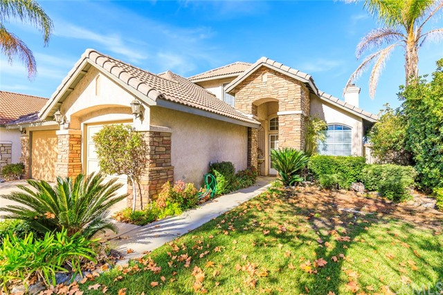 39 Del Pizzoli, Lake Elsinore, CA 92532