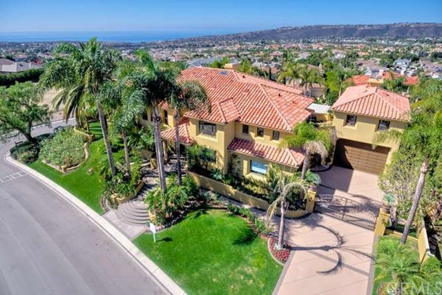 Single Family Home for Sale at 21 Old Ranch Road Laguna Niguel, California 92677 United States