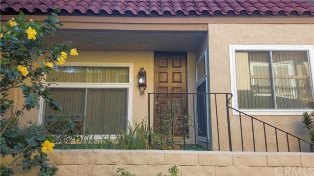 Townhouse for Sale at 964 Palo Verde Avenue Long Beach, California 90815 United States