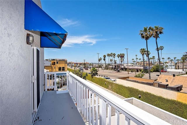 Single Family Home for Sale at 7 B Surfside Avenue Surfside, California 90743 United States