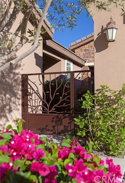 81448 Joshua Tree Court, La Quinta CA: http://media.crmls.org/medias/c6349d27-03bf-4159-ad1d-f88dbf85960f.jpg