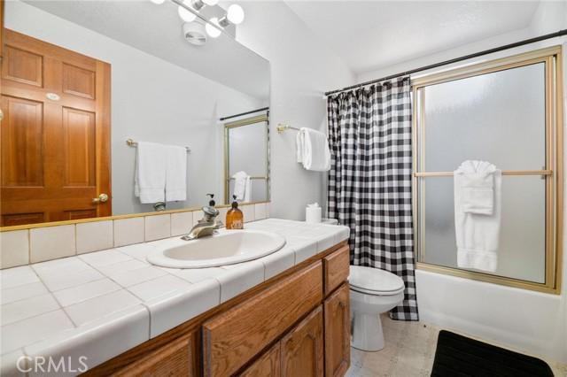 745 Barret Way, Big Bear CA: http://media.crmls.org/medias/c6508e7d-aa29-4d67-8d3f-31843122cea9.jpg
