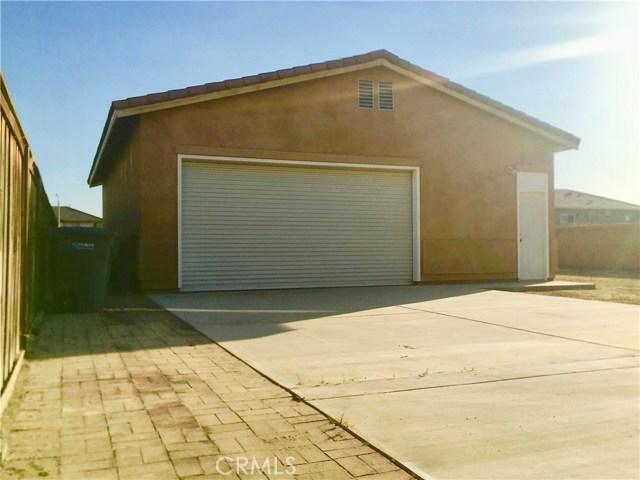 1442 De Anza Drive, San Jacinto CA: http://media.crmls.org/medias/c658c053-759f-4147-b1cc-4f68563c1c5f.jpg