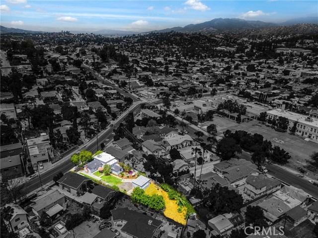 1044 N Avenue 50, Los Angeles CA: http://media.crmls.org/medias/c665a37e-bf34-405b-867f-942b7ee7c64a.jpg
