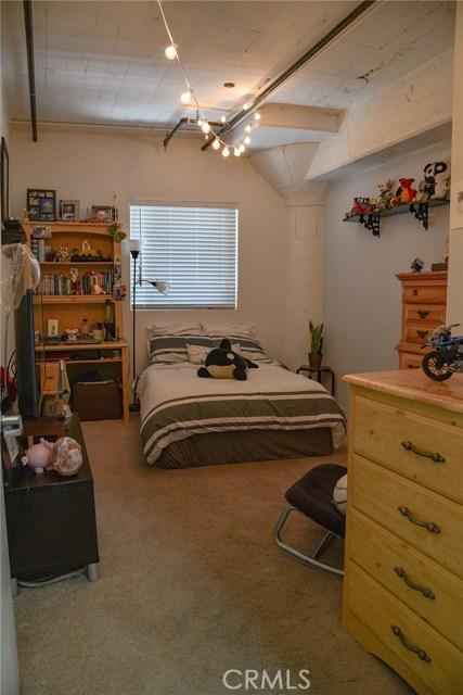 200 N San Fernando Road, Los Angeles CA: http://media.crmls.org/medias/c669a840-5a99-49e3-8b1d-e8b7e51c9623.jpg