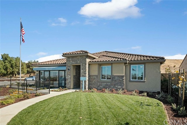 Detail Gallery Image 1 of 1 For 3065 Palomino Way, Hollister,  CA 95023 - 4 Beds | 2/1 Baths