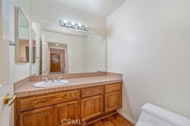 卧房个数: 5, 浴室个数 : 4.5