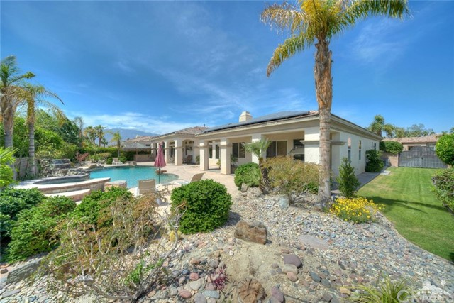 21 Toscana Way, Rancho Mirage CA: http://media.crmls.org/medias/c695a303-b240-485f-9f2c-ea714c1aa699.jpg