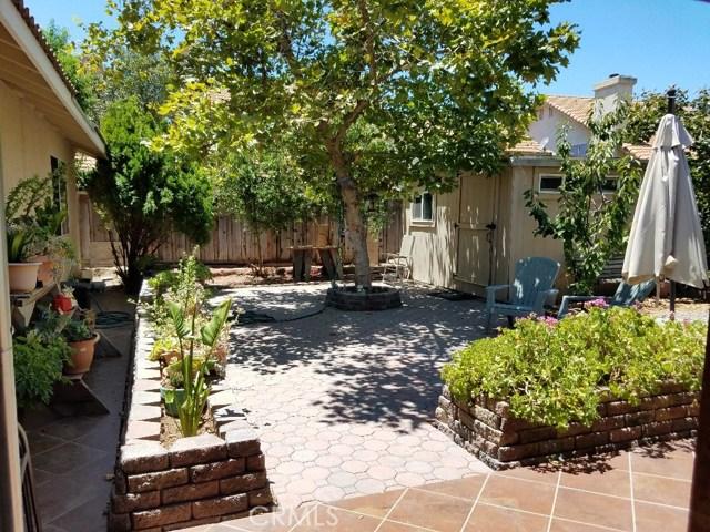 1028 Santa Maria Street, Los Banos CA: http://media.crmls.org/medias/c69751b4-020f-477f-99bf-2ea2dd934762.jpg