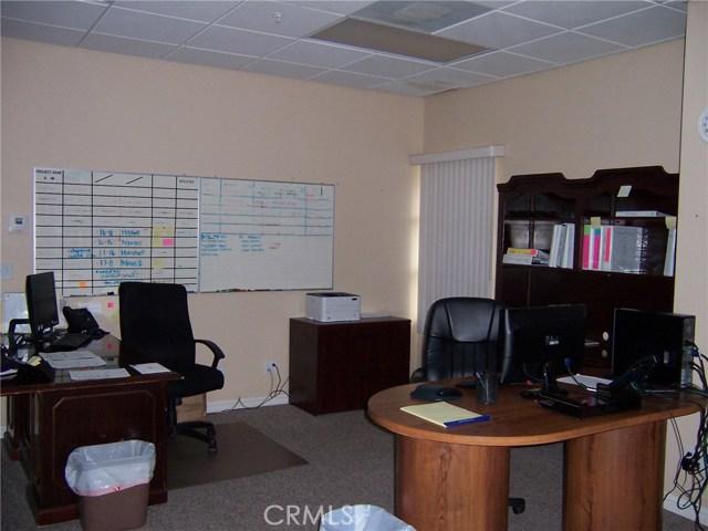1445 W Redlands Boulevard, Redlands CA: http://media.crmls.org/medias/c698a3fd-7e5f-4783-81a9-09fdba58a393.jpg