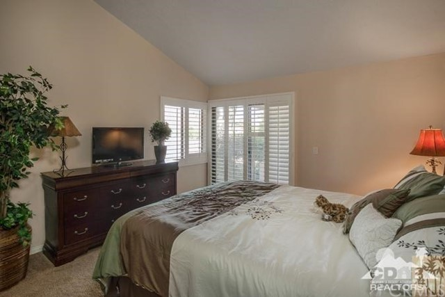 72384 Ridgecrest Lane, Palm Desert CA: http://media.crmls.org/medias/c6a61e68-70d2-4585-866a-306f479c5723.jpg
