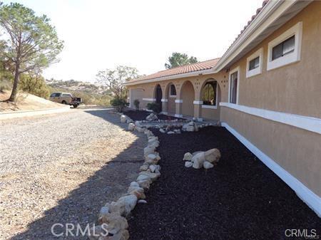 39575 Anzanita lane, Anza CA: http://media.crmls.org/medias/c6aa78ef-8ab7-423f-b97d-d237eaf52f8f.jpg