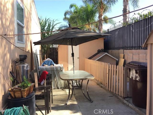 4080 W 1st Street, Santa Ana CA: http://media.crmls.org/medias/c6afb7a7-6ebb-42a6-bc25-e1022a1f7819.jpg