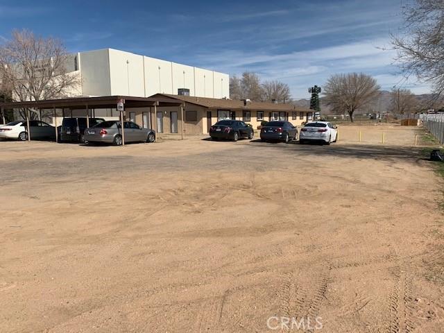 13401 Navajo Road, Apple Valley CA: http://media.crmls.org/medias/c6b22511-3cfc-435e-871a-91c57023f242.jpg