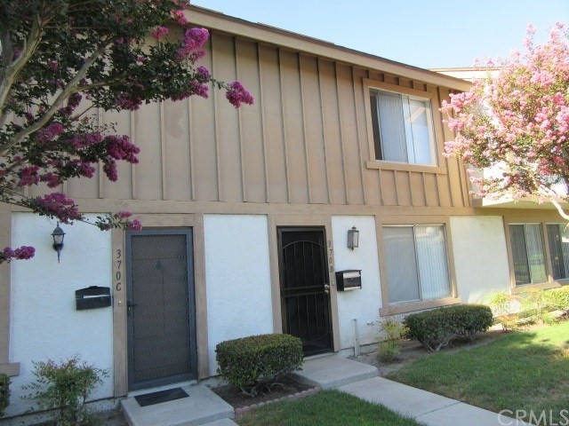 370 Carriage Drive, SANTA ANA