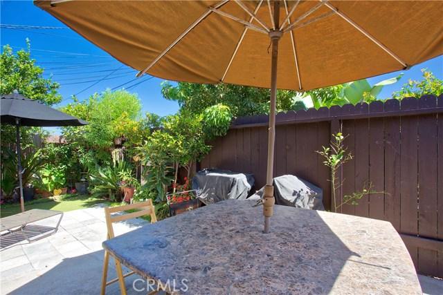 2077 Wallace Avenue, Costa Mesa CA: http://media.crmls.org/medias/c6b9848e-27a4-4e5f-bb88-89254d4b7c39.jpg