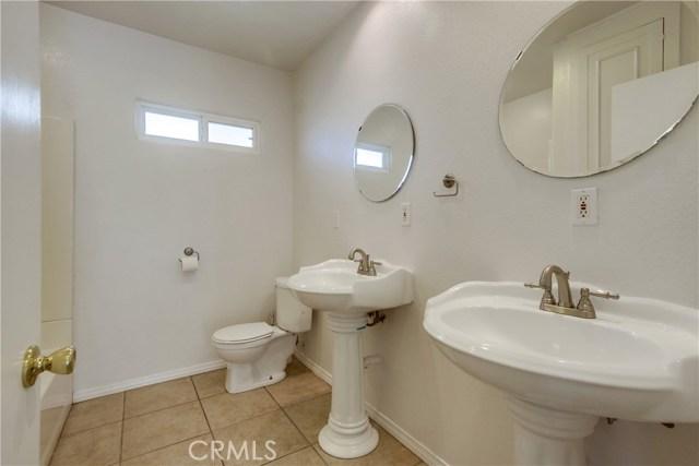 130 W Lewis, San Diego CA: http://media.crmls.org/medias/c6bb2a25-cfb2-492f-9f36-3627f97b7680.jpg