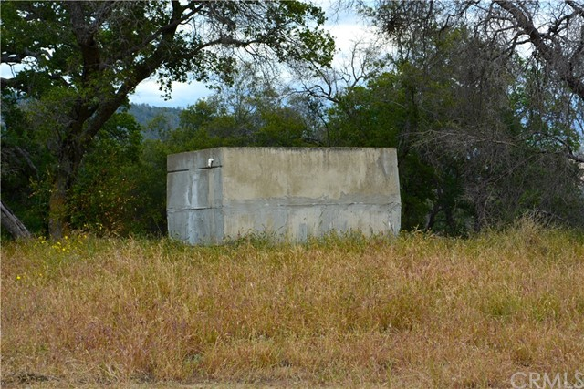 4 Buck Lane, Coarsegold CA: http://media.crmls.org/medias/c6bff607-cd95-4dc3-b438-8b53bfd0c963.jpg