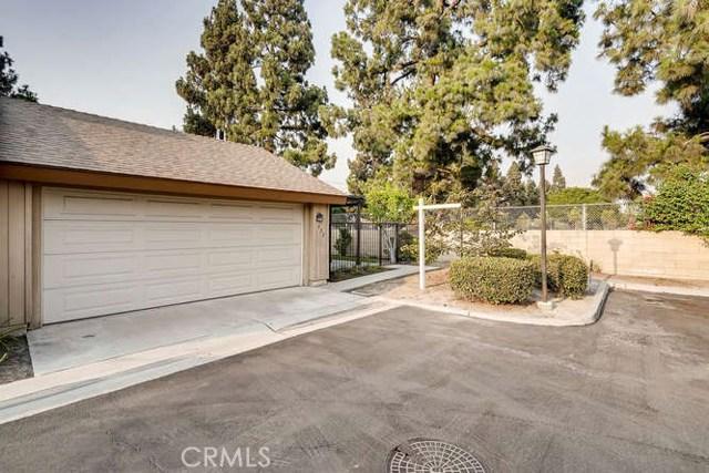 932 S Laurelwood Ln, Anaheim, CA 92806 Photo 3