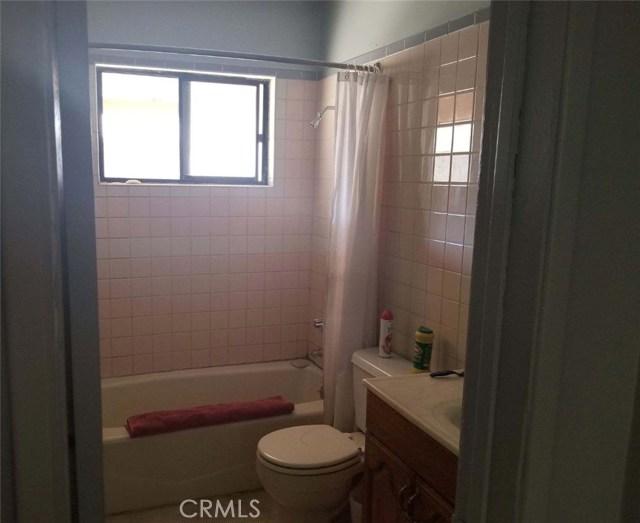 12569 Mapleview Street, Lakeside CA: http://media.crmls.org/medias/c6d9dbd4-90db-4549-b188-b7a09a71fe12.jpg