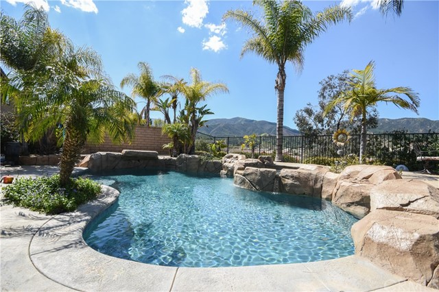 3294  Cashel Lane, Corona, California