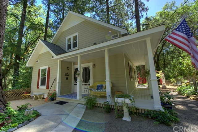 Casa Unifamiliar por un Venta en 16530 Schwartz Road Cobb, California 95426 Estados Unidos