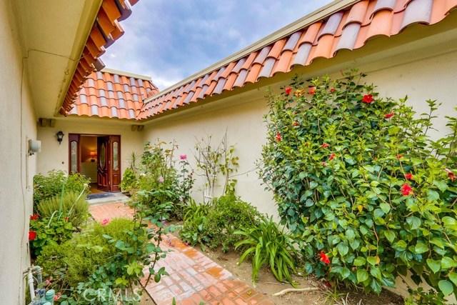 14 Wintersweet Way, Irvine CA: http://media.crmls.org/medias/c6fbe87a-0ebe-447b-a8ca-35fc5c432340.jpg
