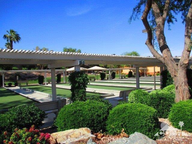 78300 Estancia Drive, Palm Desert CA: http://media.crmls.org/medias/c7266dab-e47a-4ee0-b7a3-cedce60c6be5.jpg