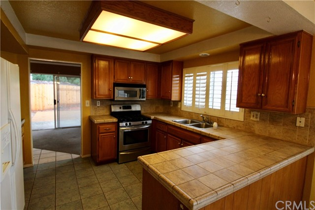 25645 JAVIER PLACE, MORENO VALLEY, CA 92557  Photo 9