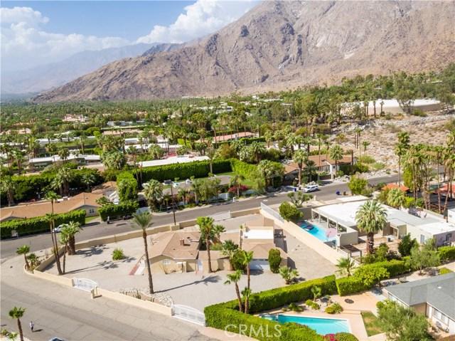 2107 N Vista Grande Avenue, Palm Springs CA: http://media.crmls.org/medias/c736cb12-ffb6-4634-8cb5-58119b5a1641.jpg
