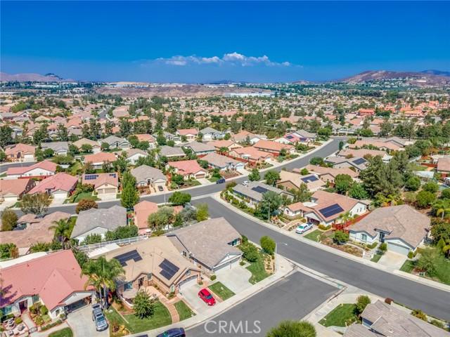30338 Conn Creek Circle, Murrieta CA: http://media.crmls.org/medias/c7442ec6-61a1-4813-b0b6-b06503105a56.jpg