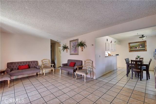 2077 Wallace Avenue, Costa Mesa CA: http://media.crmls.org/medias/c74b61a4-9bb9-46e7-a48d-d43aa38a45a9.jpg