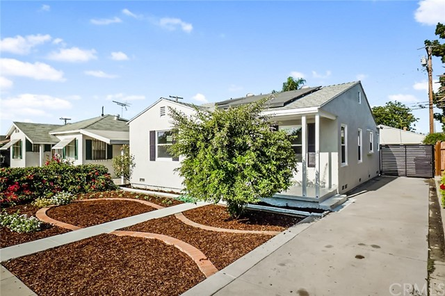 5442 Lemon Avenue, Long Beach CA: http://media.crmls.org/medias/c74bff99-3bd2-415b-9133-9b63277b127c.jpg