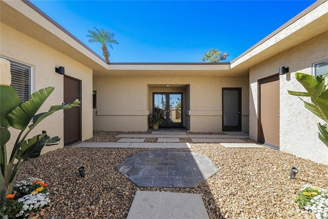 45337 Club Drive, Indian Wells CA: http://media.crmls.org/medias/c750a91d-86a9-48aa-ad04-3c4a0d5cd559.jpg