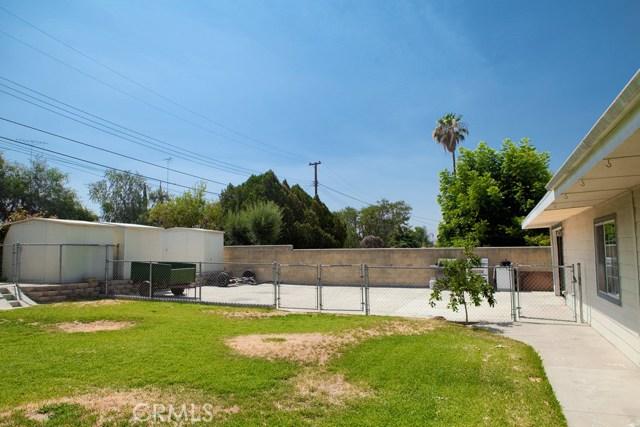 6803 Golondrina Drive, San Bernardino CA: http://media.crmls.org/medias/c750de43-2b9c-4567-982a-a86361dd50fe.jpg