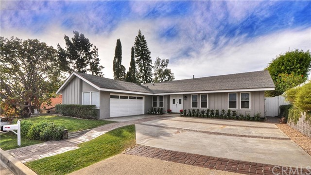 Single Family Home for Sale at 3023 Mountain View St Laguna Beach, California 92651 United States