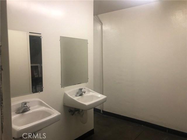 卧房个数: , 浴室个数 :