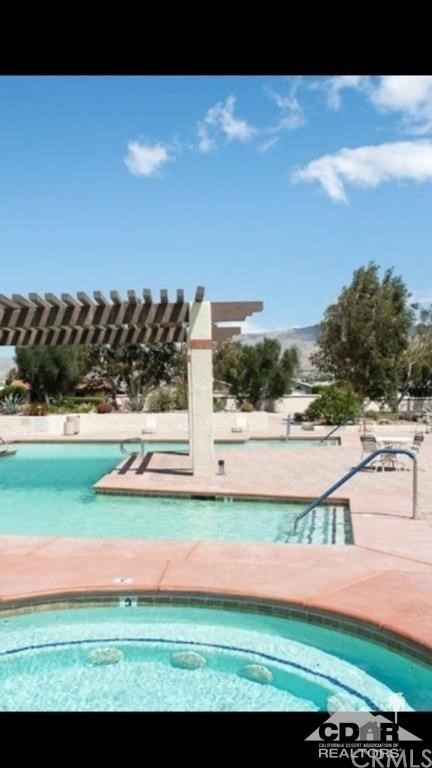 15300 Palm Drive, Desert Hot Springs CA: http://media.crmls.org/medias/c766295c-9a58-4bd4-bf97-d24b89a3da7d.jpg