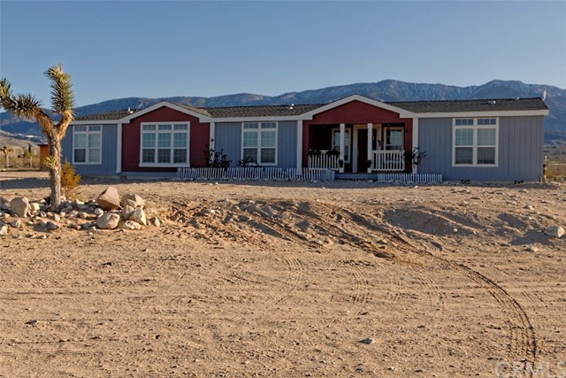 Single Family for Sale at 8380 Fairlane Road Lucerne Valley, California 92356 United States