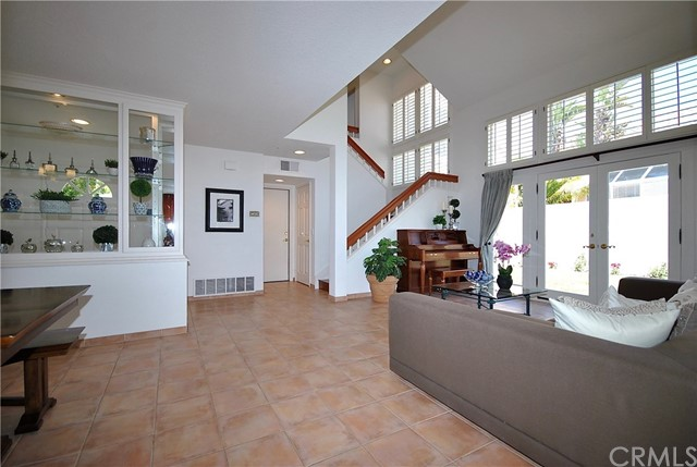 10 Cordoba, Irvine, CA 92614 Photo 2