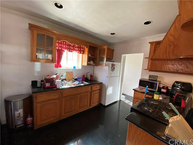 1607 N Willow Avenue, Los Angeles, California 90221, 2 Bedrooms Bedrooms, ,2 BathroomsBathrooms,Single family residence,For sale,Willow,DW20229750