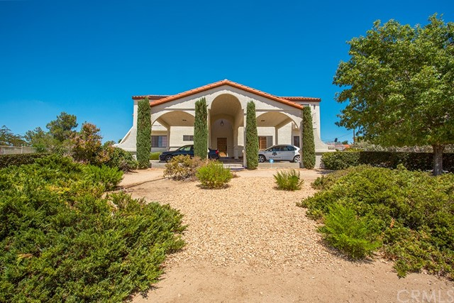 18760 Otomian Road, Apple Valley CA 92307