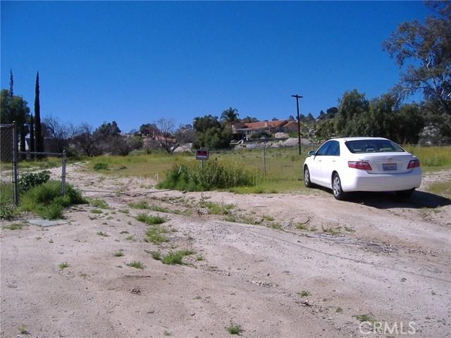 683 W Nuevo Road, Perris CA: http://media.crmls.org/medias/c7ac8095-5c6d-4726-b3aa-3b00141cbdcc.jpg