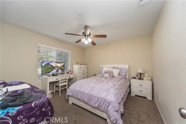 8002 Sycamore Avenue, Riverside CA: http://media.crmls.org/medias/c7b2d412-857b-400c-b92f-b60b87699b2b.jpg