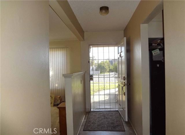 809 E Alvin Avenue, Santa Maria CA: http://media.crmls.org/medias/c7bb5527-b352-47f3-b9cd-77dba3c1a2bf.jpg